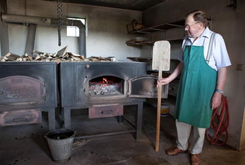 Leckeres Holzofenbrot aus eigener Herstellung